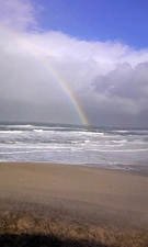 水平線に虹が・・・。